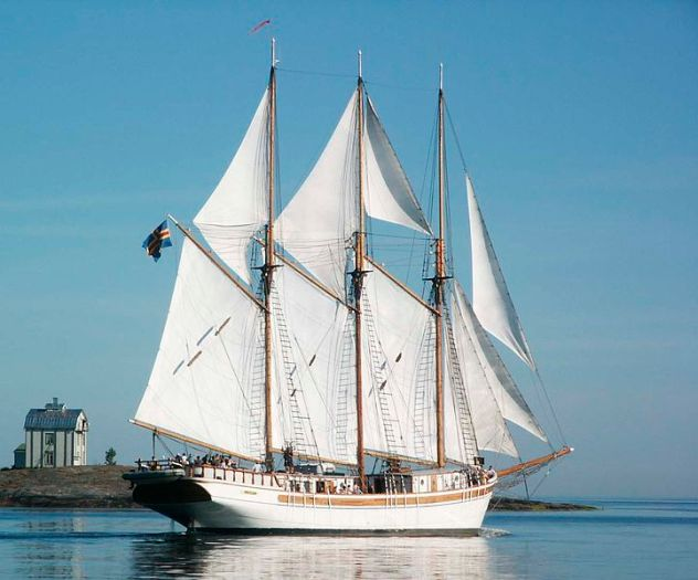 721px-Three-masted_schooner_Linden_of_Mariehamn,_Åland