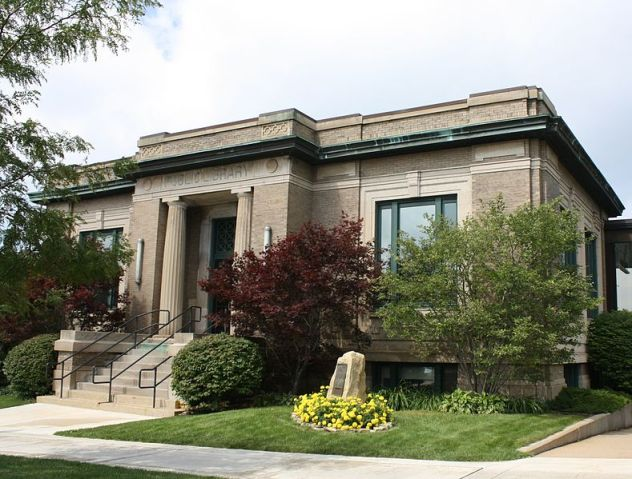 789px-Petoskey_Michigan_Public_Library